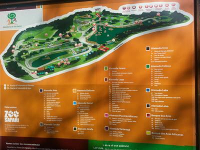 Foto de uma placa com o mapa do zoológico de São Paulo