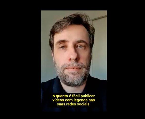 """Foto de Reinaldo Ferraz olhando para a câmera com a legenda """"o quanto é fácil publicar vídeos com legenda nas suas redes sociais."""""""